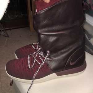 Burgundy sneaker with leather boot insert